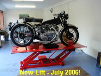 New motorcycle lift (with Vincent on)